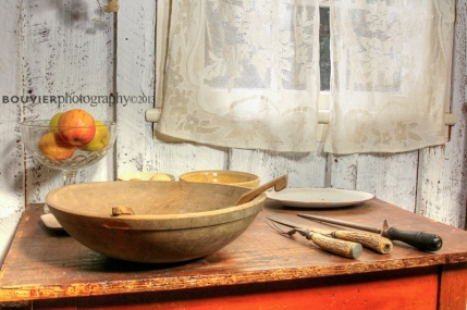 Moss Cottage kitchen bowls and utensils