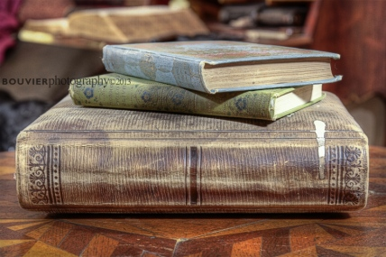 Books in Moss Cottage's Parlor in Sooke, BC.