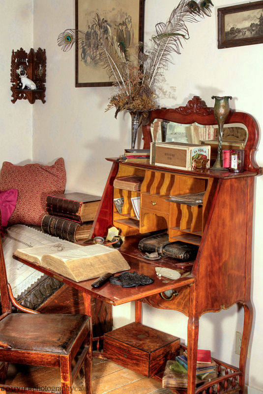 Moss Cottage Parlor