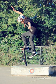 Kickflip off the Manual Pad